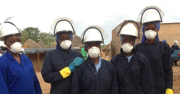 Female Spray Operators. Photo Credit: Brad Lucas